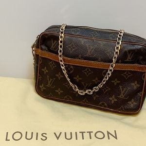 Auth Louis Vuitton Compiegne 23 Crossbody Clutch
